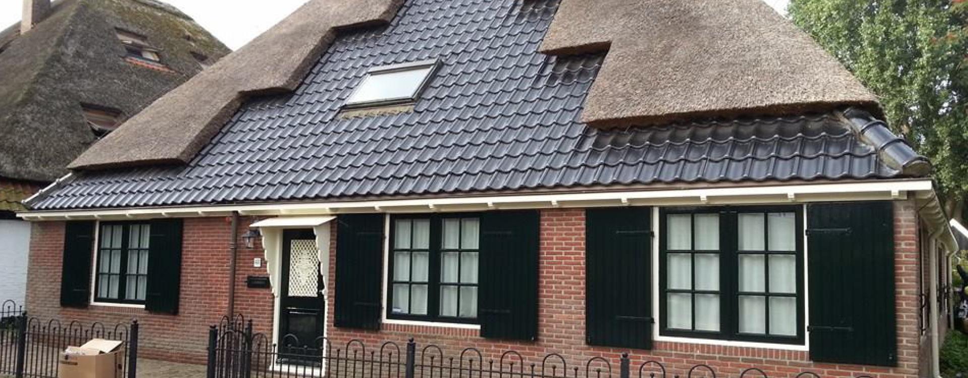 kozijnen, deur, dakgoot boerderij schilderen door Schuit Schilderwerken